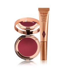 Makeup News, Makeup Kit, Makeup Tools, Makeup Tricks, Hollywood Red Carpet, Magical Makeup, Liquid Highlighter, Glow Kit, Makeup To Buy