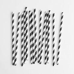 Klassikko mustavalkoraidallinen paperipilli 4,50 €/25 kpl