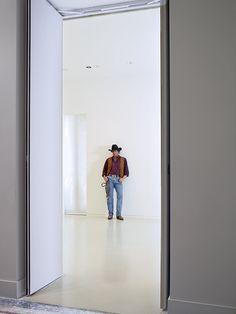 Le pape de l'hyperréalisme américain Duane Hanson érige la banalité du quotidien en œuvre d'art au Nouveau Musée national de Monaco. © NMNM/François Fernandez