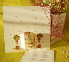 Invitatie de nunta haioasa, cu mirii in usa bisericii. Gift Wrapping, Gifts, Christians, Paper Wrapping, Presents, Wrapping Gifts, Favors, Gift Packaging, Gift