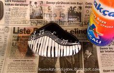 "Ev Atölye'm: ...yeni yil hesiyesi ""taş boyama""...tutorial for painting this musical rock!"