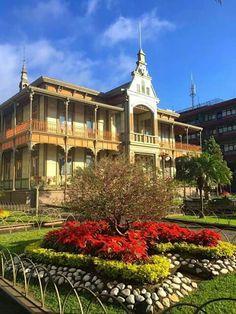 Palacio de Hierro en Orizaba, Veracruz-Llave Mexico Travel, Mexico Trips, Study Abroad, To Go, The Incredibles, Explore, Architecture, House Styles, Picsart