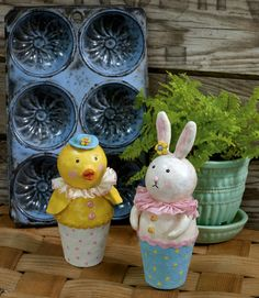 peat pot chick and bunny diy ... http://createanddecorate.wordpress.com/2012/03/31/peat-pot-chick-and-bunny/
