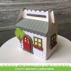 Lawn Fawn Scalloped Treat Box Spring House Add-On - bjl Flowers For Girlfriend, Box Bunny, Scrapbook Box, Lawn Fawn Blog, Spring Treats, Gable Boxes, Tiny Gifts, Birthday Cards For Her, Birthday Wishes
