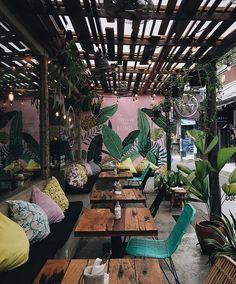 Coffee Shop Interior Design, Coffee Shop Design, Bar Interior, Cafe Design, House Design, Interior Ikea, Interior Colors, Interior Plants, French Interior