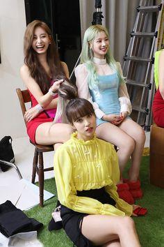 Tzuyu, Dahyun and Mina K Pop, South Korean Girls, Korean Girl Groups, Myoui Mina, Tzuyu Twice, Charli Xcx, Fancy, Scene Photo, Soyeon