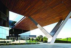 Centra at Metropark, Kohn Pedersen Fox (KPF) [GreenSource Magazine] Unique Architecture, Interior Architecture, Deconstructivism, Metal Facade, Steel Columns, Column Design, Adaptive Reuse, Small Buildings, Architecture Sketches