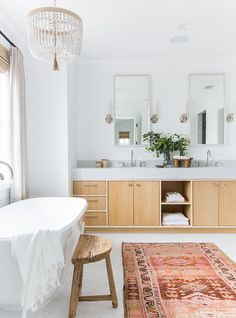Cheap Home Decor 13 Ways to Get Your Bathroom Looking Fresh And Clean for Spring (image Amber Interiors) Home Decor 13 Ways to Get Your Bathroom Looking Fresh And Clean for Spring (image Amber Interiors) Interior, Amber Interiors, Decor Interior Design, Bathroom Design Inspiration, Home Decor, House Interior, Interior Design, Bathroom Design, Bathroom Decor