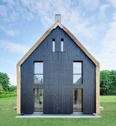 Scheunentrio mit Reetfassade, Landesbaupreis 2014: moderne Häuser von Möhring Architekten