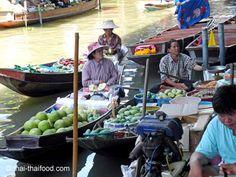 Thai Frauen in Booten Floating, Thailand, Marketing