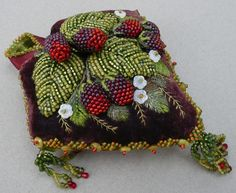 Absolutely Beads 2007  Merri Beth Hill  Berry Cushion  Seattle, WA   AWARD OF MERIT