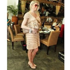 Предлагаю это платье назвать Кейт : Есть короткая версия этого платья: Я его разобрала, как и обещала: Вяжется от талии верх вверх и подол вниз. Оборочка, что на подоле, вяжется за дорожку, т.е. в п …