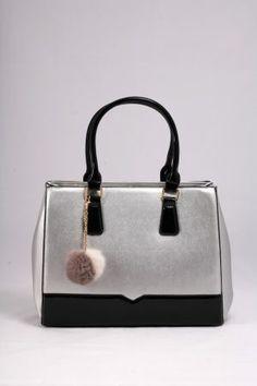 Τσάντα ώμου – χειρός ασημί με μαύρο λουστρίνι.  Ο απόλυτος συνδυασμός για μοναδικές εμφανίσεις. Bags, Fashion, Handbags, Moda, Fashion Styles, Fashion Illustrations, Bag, Totes, Hand Bags