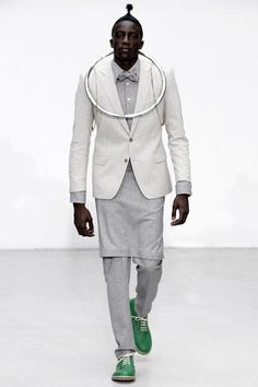 Walter Van Beirendonck Fall 2020 Menswear Fashion Show - Vogue High Fashion, Fashion Show, Womens Fashion, Fashion Design, Paris Fashion, Fashion Brands, Walter Van Beirendonck, The Fashionisto, Green Coat