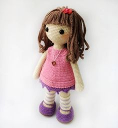 Кукла девочка в платье  амигуруми вязаная крючком. Мастер классы по вязанию игрушек. Фото куклы своими руками. Подарок девочке кукла#амигурумикукла #amigurumidesigner#crochetdoll#crochetgirl#dollindress