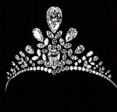 Van Cleef & Arpels Diamond Tiara, 1946. Composed of 22 exceptional pear-shaped diamonds (including three pear-shaped diamonds of 54.82, 21.49, and 21.82 carats), this fantastic piece speaks of the supreme passion Barbara Hutton had for jewelry. Story has it that on one of Pierre Arpels' many visits, she was feeling unwell, so she asked him to visit her in her bedroom. There he found her lying in bed, her head resting on a pillow trimmed with lace and wearing the tiara.