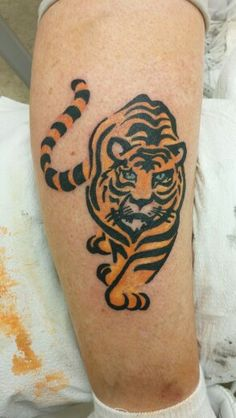 Tiger . Calf . Artist: Renegade 678-481-5369