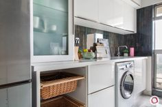 To design your modular kitchen, know everything about kitchen cabinets and its components. Minimal Furniture, Modular Kitchen Cabinets, House Design, Interior, Apartment Interior, Classy Furniture, Washing Machine In Kitchen, Elegant Kitchens, Tufted Dining Chairs