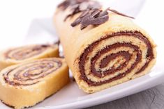 Nutella Swiss Roll Recipe – All food Recipes No Cook Desserts, Dessert Recipes, Kitchen Recipes, Cooking Recipes, Cake Roll Recipes, Rolls Recipe, How Sweet Eats, Food To Make, Yummy Food