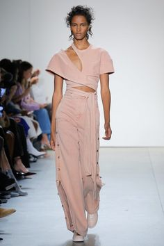 See the entire Spring 2018 collection from Jonathan Simkhai.