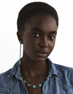 'In Simplification' - Vogue Poland July 2018 Model Nicole Atieno is styled by fashion director Daniela Agnelli in Vogue Poland's July/August editorial entitled 'In Simplification' with gorgeous statement jewels from Dior to Pomellato. Black Girls Rock, Black Girl Magic, Beauty Blender Set, Dark Skin Beauty, Black Beauty, Ebony Beauty, Black Fashion Designers, Beauty Video Ideas, Ancient Beauty