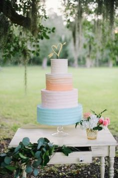 soft pastel wedding cake - photo by Sarah McKenzie Photography
