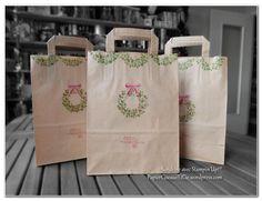 sac cadeau d coration de no l avec des perforatrices et papiers emballages cadeaux pinterest. Black Bedroom Furniture Sets. Home Design Ideas