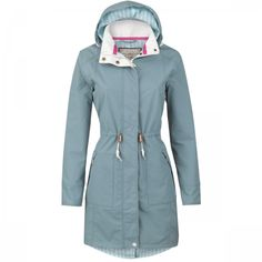 Jack Murphy Derry Coat - A sophisticated take on rainwear which celebrates timelss, vintage style. It is fully waterproof as well as windproof and breathable.