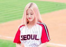 South Korean Girls, Korean Girl Groups, Korean Princess, Rapper, Girl Celebrities, Cute Icons, Hairstyles With Bangs, New Girl, Celebrity Crush