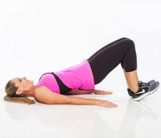 Get a toned and firm butt with this effective workout routine. These exercises will sculpt your lower body and get you the results you want. Your booty will be looking great after this fat-burning workout. Body Fitness, Fitness Tips, Fitness Sport, Lunges, Squats, Fat Burning Workout, Get In Shape, Excercise, At Home Workouts