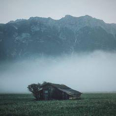 Abandoned cabin By @livingitrural