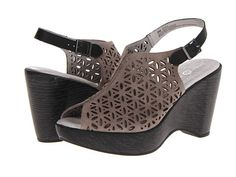 want these for vacation!  they are crazy comfy!
