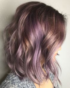 How to Get Lilac Hair for This Season? – Style Easily How to Get Lilac Hair for This Season? Blonde Babys, Lavender Hair Colors, Purple Highlights Blonde Hair, Lavender Highlights, Purple Balayage, Hair Color And Cut, Summer Hair Colour, Pastel Hair, Bright Hair