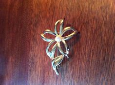 Elegant Costume Gold and Pearl Flower Pin by SantaCruzSeraph