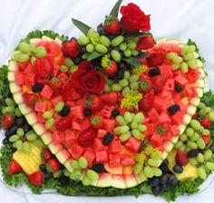 ●❥ʜᴀᴅᴀᴄᴀʀᴏʟɪɴᴀ❥● Fruit Centerpieces, Edible Arrangements, Fruit And Veg, Fresh Fruit, Bonbon Fruit, Fruit Creations, Watermelon Carving, Watermelon Fruit, Watermelon Patch