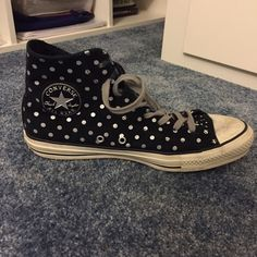 Polka dot converse Worn a couple of times, still in awesome condition! Converse Shoes Sneakers