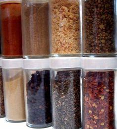 Zelf nasikruiden of bamikruiden mix maken - Deze combinatie gebruik ik al jaren. Héérlijk! Kan geen Knorr of Conimex tegenop