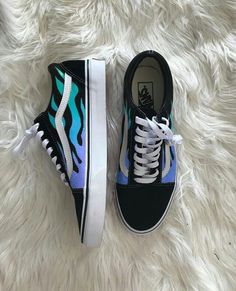 Vans Old Skool, Chuck Taylor Sneakers, Chuck Taylors, Shoes, Fashion, Moda, Zapatos, Shoes Outlet, Shoe