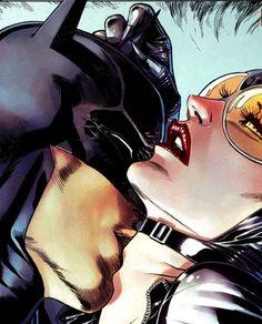 Batman Catwoman Somehow this is hotter than it should Catwoman Comic, Catwoman Cosplay, Batman And Catwoman, Batgirl, Batman Love, Im Batman, Dc Comics Art, Marvel Comics, Comic Books Art