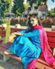 Patiala Salwar Suits, Patiala Suit Designs, Salwar Suits Party Wear, Punjabi Suits, Cute Baby Girl Pictures, Cute Girl Poses, Beautiful Girl Photo, Beautiful Outfits, Snapchat Makeup
