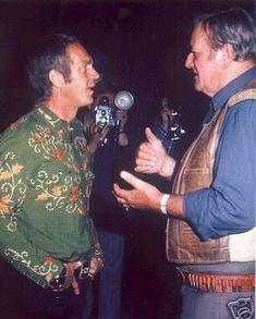 Steve McQueen et John Wayne. John Wayne, Hollywood Stars, Classic Hollywood, Old Hollywood, Iconic Movies, Classic Movies, Steeve Mac Queen, Steve Mcqueen Style, Cincinnati Kids
