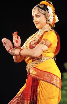 Srinivasan who comes from Srirangam, a small village near Tiruchirapalli in Tamil Nadu, learnt dance at the Kalakshetra, Chennai, moved to Mumbai and trained Hema Malini and for a short period her daughters, Esha and Ahana Deol as well in Bharatnatyam.