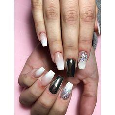#MyNails #CoffinNails #Gel #Babyboomer #White #Mirror #Silver #Glitter #PassioneUnghie