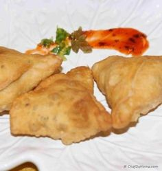 A famous authentic Indian snack, Samosas are prepared and liked in almost all parts of world these days. They're a lovely snack for a rainy cold day. We share with you step by step recipe to make. Indian Snacks, Indian Food Recipes, Vegetarian Recipes, Asparagus Pasta, Asparagus Recipe, Creamy Asparagus, Pesto Recipe, Orzo Pasta Recipes, Vegetable Samosa