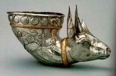 Sasanian_Silver_Gilded_Rhyton.jpg (44400 bytes)