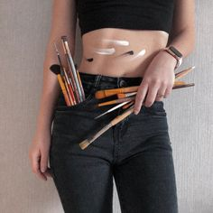 Painter Photography, Self Portrait Photography, Fashion Photography Poses, Artistic Photography, Creative Photography, Creative Photoshoot Ideas, Art Hoe Aesthetic, Denim Art, Polychromos