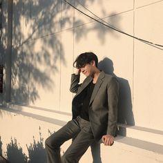 korean fashion trends that looks trendy! Korean Boys Ulzzang, Ulzzang Boy, Korean Men, Korean Girl, Ulzzang Korea, Korean Fashion Trends, Korea Fashion, Boy Fashion, Mens Fashion