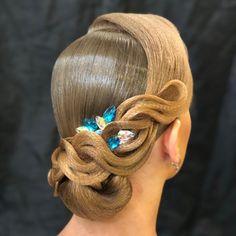 Wedding Bun Hairstyles, Dance Hairstyles, Braided Hairstyles Updo, Down Hairstyles, Celebrity Hairstyles, Vintage Wedding Hair, Wedding Hair Down, Vintage Hair, Wedding Updo
