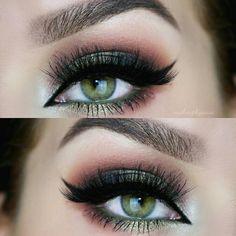 31 Pretty eye make-up for green eyes - Makeup Tips For Dark Circles Pretty Eye Makeup, Makeup Looks For Green Eyes, Red Makeup, Eye Makeup Tips, Smokey Eye Makeup, Makeup Hacks, Gorgeous Makeup, Makeup Ideas, Makeup Geek