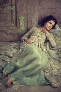 Are you Looking for Buy Indian Lehenga Choli Online Shopping ? We have Largest & latest Collection of Designer Indian Lehenga Choli which is available now at Best Discounted Prices. Pakistani Models, Pakistani Couture, Pakistani Wedding Dresses, Indian Dresses, Indian Outfits, Pakistani Designers, Jacket Lehenga, Lehenga Choli, Bridal Lehenga